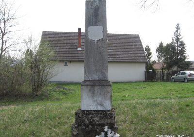 Baté Régi világháborús emlékmű 2009.04.04. küldő-kalyhas
