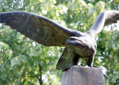 Battonya világháborús emlékmű 2012.06.04. küldő- G.K. (3)