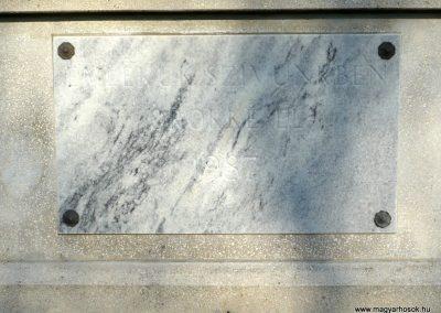 Bazsi világháborús emlékmű 2013.04.14. küldő-Sümec (6)