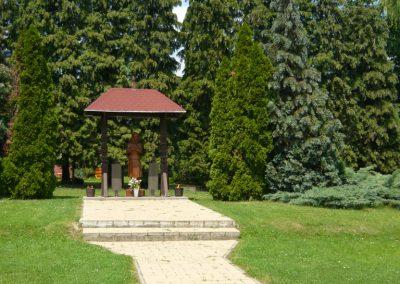 Becsehely II.vh emlékmű 2009.05.23.küldő-Ágca