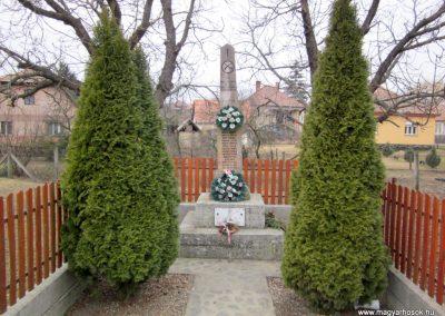 Becske világháborús emlékmű 2012.03.08. küldő-kalyhas (11)