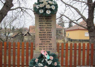Becske világháborús emlékmű 2012.03.08. küldő-kalyhas (3)