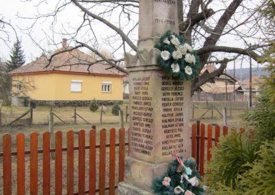 Becske világháborús emlékmű 2012.03.08. küldő-kalyhas (5)