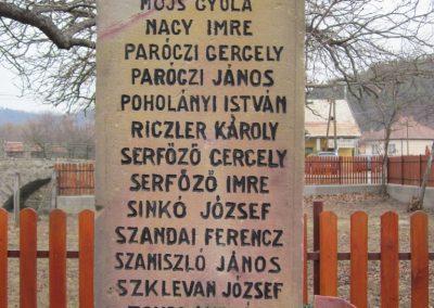 Becske világháborús emlékmű 2012.03.08. küldő-kalyhas (6)