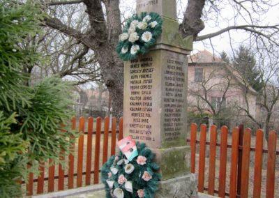 Becske világháborús emlékmű 2012.03.08. küldő-kalyhas (8)