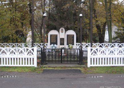 Bekölce világháborús emlékmű 2007.10.24. küldő-kalyhas