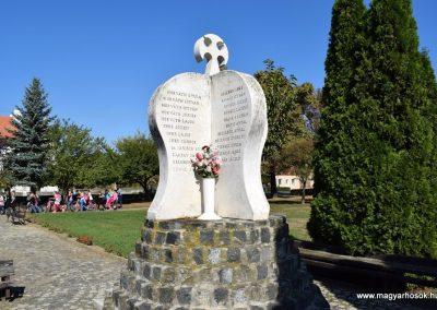 Beled II. világháborús emlékmű 2016.09.30. küldő-Méri (4)