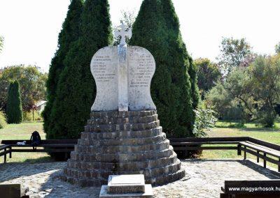 Beled II. világháborús emlékmű 2016.09.30. küldő-Méri
