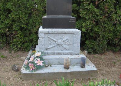 Beleg világháborús emlékmű 2009.04.05. küldő-kalyhas (9)