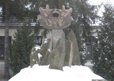 Bercel Hősi emlékmű 2010.01.26. küldő-kalyhas (2)