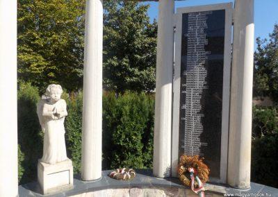 Beregdaróc II. világháborús emlékmű 2016.09.27. küldő-kalyhas (9)