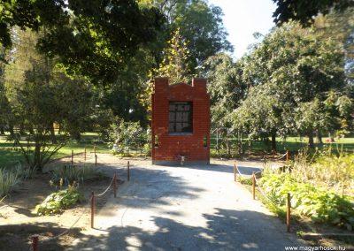 Beregsurány II. világháborús emlékmű 2016.09.27. küldő-kalyhas (1)