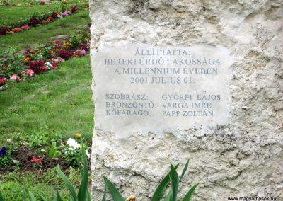 Berekfürdő hősi emlékmű 2013.05.25. küldő-kalyhas (10)