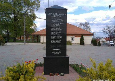 Berente II.világháborús emlékmű 2012.04.19. küldő-Pataki Tamás (1)