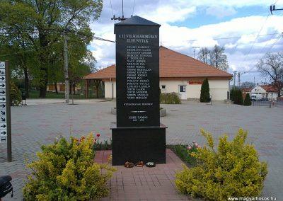 Berente II.világháborús emlékmű 2012.04.19. küldő-Pataki Tamás