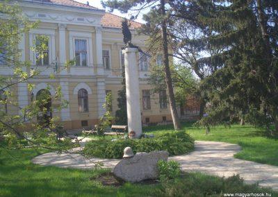 Berettyóújfalu II.vh emlékmű 2008.04.14. küldő -egy magyar anya