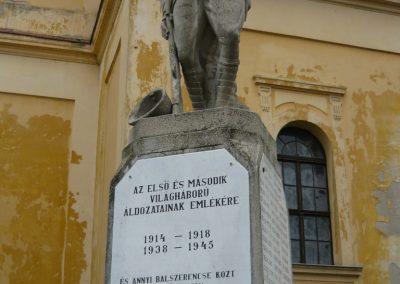 Berettyóújfalu világháborús emlékmű 2008.12.30.küldő-Ágca (1)