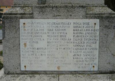 Berettyóújfalu világháborús emlékmű 2008.12.30.küldő-Ágca (4)