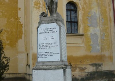Berettyóújfalu világháborús emlékmű 2008.12.30.küldő-Ágca