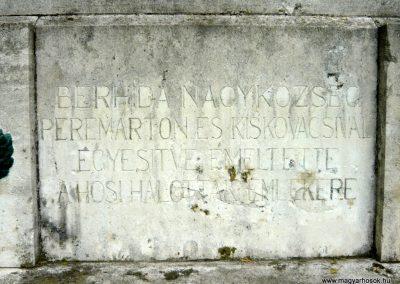 Berhida-Peremarton világháborús emlékmű 2010.05.30. küldő-Sümec (4)