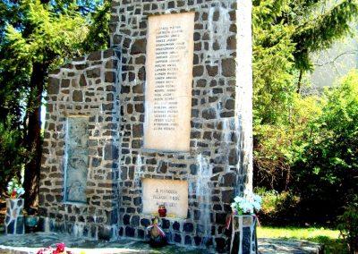 Berkenye II.vh emlékmű 2011.10.28. küldő-Ocsovai András (4)