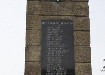 Bernecebaráti világháborús emlékmű 2013.03.18. küldő-kalyhas (4)