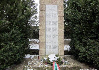 Bernecebaráti világháborús emlékmű 2013.03.18. küldő-kalyhas (8)