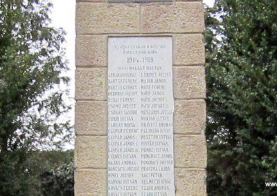 Bernecebaráti világháborús emlékmű 2013.03.18. küldő-kalyhas (9)