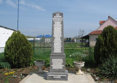 Berzék I.vh emlékmű 2008.04.21.küldő-Kályhás (1)