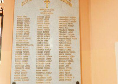 Berzence - katolikus templom - világháborús emléktáblák 2014.06.01. küldő-Huber Csabáné (1)