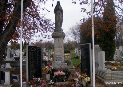 Biatorbágy világháborús emlékmű 2012.11.19. küldő-Méri (4)