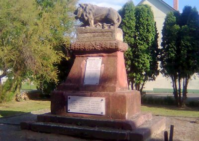 Bicsérd világháborús emlékmű 2012.05.17. küldő-KRySZ (10)
