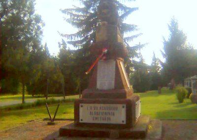 Bicsérd világháborús emlékmű 2012.05.17. küldő-KRySZ (2)