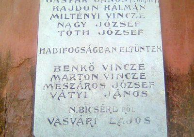 Bicsérd világháborús emlékmű 2012.05.17. küldő-KRySZ (5)