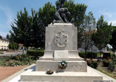 Biharnagybajom hősi emlékmű 2018.05.26. küldő-Bóta Sándor (1)