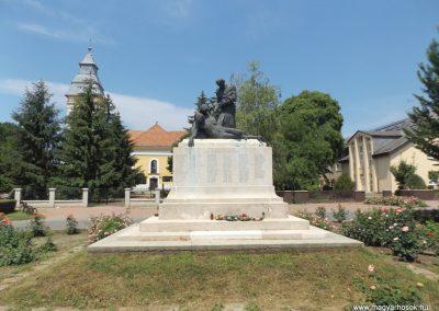 Biharnagybajom hősi emlékmű 2018.05.26. küldő-Bóta Sándor (12)