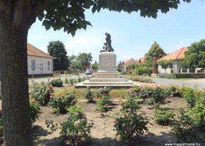 Biharnagybajom hősi emlékmű 2018.05.26. küldő-Bóta Sándor (7)