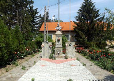 Bihartorda hősi emlékmű 2018.05.26. küldő-Bóta Sándor (kalyhas)