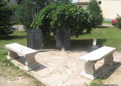 Biri világháborús emléktáblák 2009.07.02.küldő-kalyhas (1)