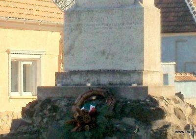 Boba világháborús emlékmű 2011.11.13. küldő-Fáró Jenő (3)