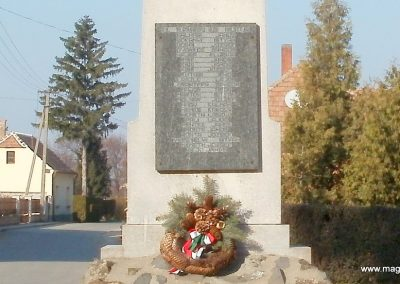 Boba világháborús emlékmű 2011.11.13. küldő-Fáró Jenő (6)