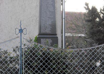 Boda világháborús emlékmű 2012.07.31. küldő-KRySZ (1)