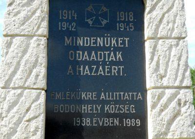 Bodonhely világháborús emlékmű 2012.08.26. küldő-Baloghzoli (3)