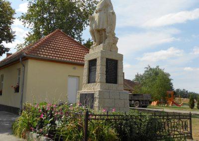 Bodonhely világháborús emlékmű 2012.08.26. küldő-Baloghzoli (7)