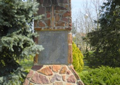 Bodrog II. világháborús emlékmű 2015.04.11. küldő-Huber Csabáné