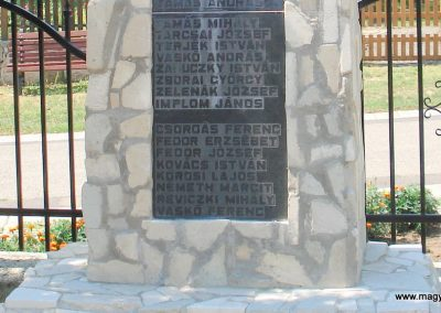Bodrogkisfalud világháborús emlékművek 2012.08.01. küldő-megtorló (6)
