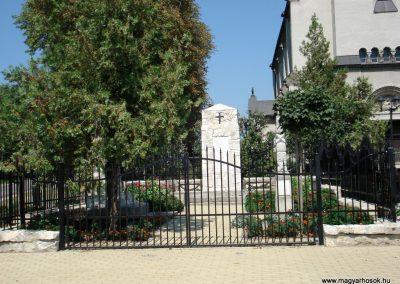 Bodrogkisfalud világháborús emlékművek 2012.08.01. küldő-megtorló (7)