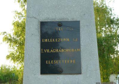Bodrogolaszi világháborús emlékmű 2009.05.09.küldő-Ágca (4)