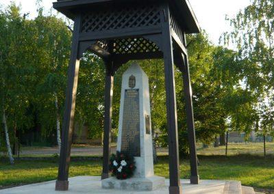 Bodrogolaszi világháborús emlékmű 2009.05.09.küldő-Ágca (5)