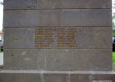 Bogács I. világháborús emlékmű felújítás után 2014.10.09. küldő-kalyhas (7)